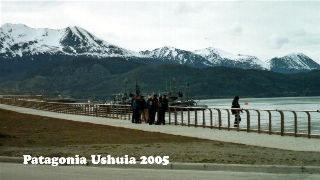 730878-14A Patagonie  Ushuia Pan-American 2005 16x9 (Large)