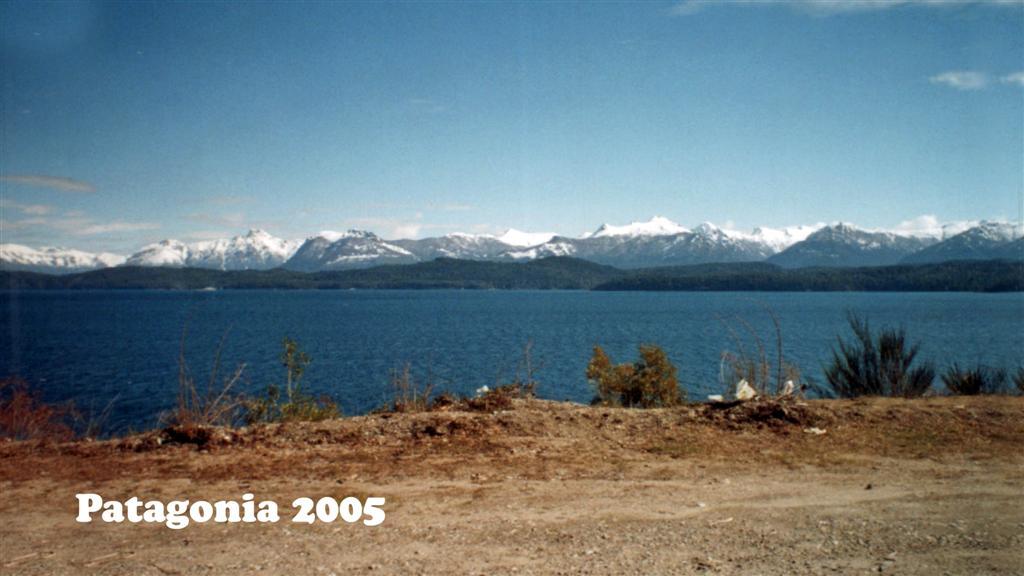 747034-19 Patagonie Landschaft Pan-American 2005 16x9 (Large)