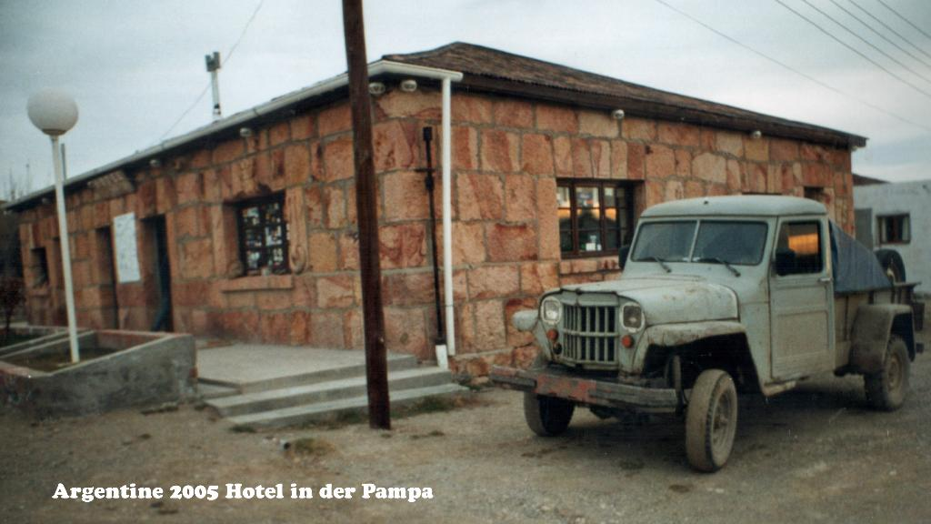 747039-15a Argentine Pampa Hotel Pan-American 2005 16x9 (Large)