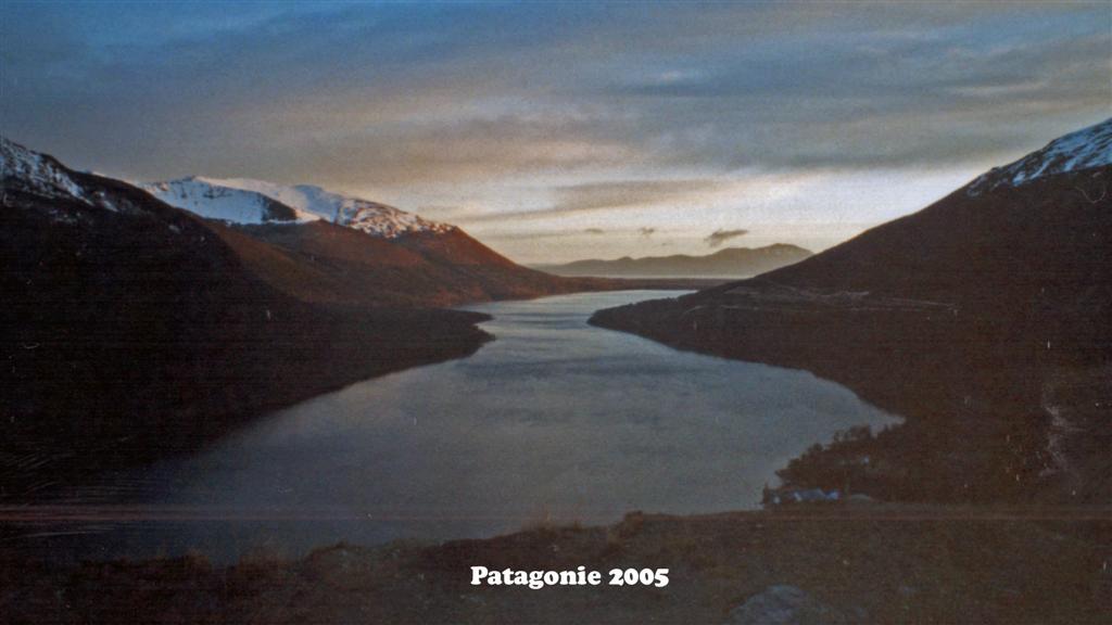 747054-28 Patagonie Landschaft  Pan-American 2005 16x9 (Large)