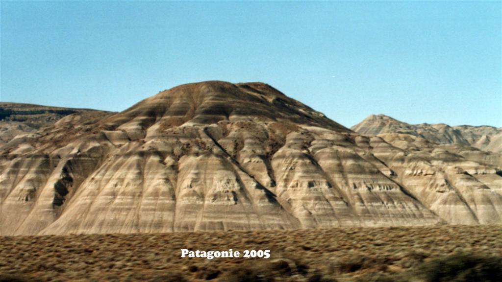 747061-03A Patagonie Landscape Pan-American 2005 16x9 (Large)