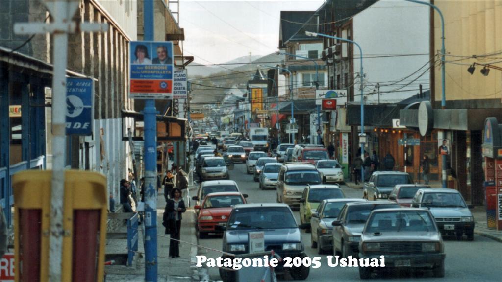 747095-28A Patagonie Ushuai Pan-American 2005 16x9 (Large)